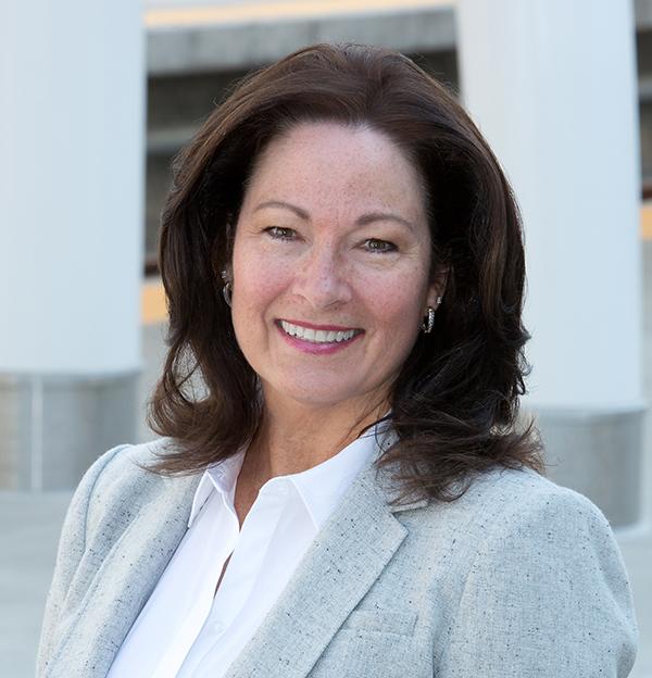 Kathie Barstnar